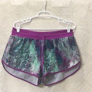 FABLETICS patterned running shorts